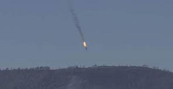 Suriye'nin Savaş Uçağı Düşürüldü! Kimin Yaptığı Tartışılıyor