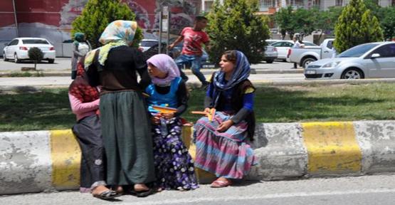 """""""Suriye'nin Zenginleri Çadırlarda Yaşıyor"""""""