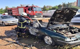 Urfa'da korkutan araç yangını