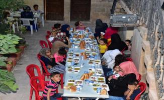 Suriyeli Yetim Ve Yoksullarla İftar