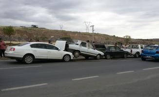 Urfa'da 4 aracın karıştığı zincirleme kaza