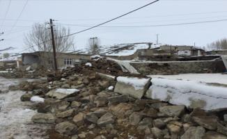 İran'da meydana gelen 5.9'luk deprem sonrası Van'da 7 kişi hayatını kaybetti