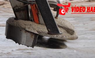 Büyükşehir'den maşuk bölgesinde tuzlama, yol açma ve kar küreme çalışması