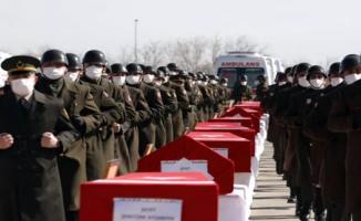 Türkiye helikopter kazası şehitlerini devlet töreniyle uğurladı