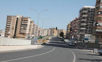 Urfa'da Sokak ve caddeler boş kaldı