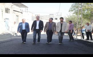 Eyyübiye'de Ara caddeler bir bir asfaltlanıyor