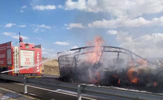 Şanlıurfa'da korkutan TIR yangını