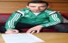 Bekir Ozan imzaladı