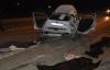 Otomobil aydınlatma direğine çarptı, 4 ölü