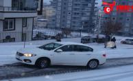 Urfa'da araçlar yollarda mahsur kaldı