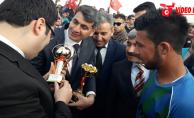 Çadır kentte kardeşlik maçı