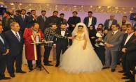Bakan Faruk Çelik Gençlik Kolları Başkanın Düğüne Katıldı