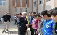 Vali Tuna: Çocukların Motive Edilmesi Önemli