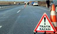 Tarım İşçilerini Taşıyan Traktör Devrildi 3 Ölü 10 Yaralı