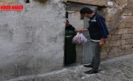 Büyükşehir'den Dar Gelirli Ailelere Meyve İkramı
