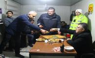 Şanlıurfa Emniyet Müdürü'nden polislere baklava ikramı