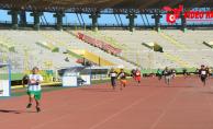 Urfalı gazetecilerin renkli koşusu