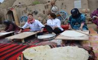 Brezilyalı Şef Harranlı Kadınlarla Ekmek Açtı