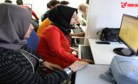 Gençler, Haliliye Belediyesi İle Bilgisayar Öğreniyor