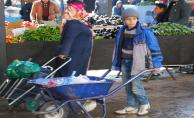 Semt Pazarında Çocuk İşçiliği