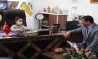 Başkan Aslan, 23 Nisan'da koltuğu devir etti