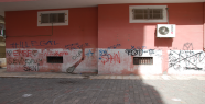 Bina duvarlarında çirkin yazılar