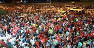 Şanlıurfa'da Halk Sokaklara Döküldü