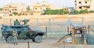 Sınırda 14 asker gözaltına alındı
