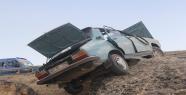 Suriyeli Araç Şarampole Yuvarlandı, 5 Yaralı