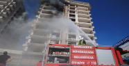 Urfa'da bina yangını paniğe neden oldu