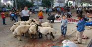 Urfa'da Kurbanlıklar Kesilmeye Devam ediyor