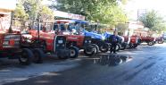 Ürün olmayınca traktörler satılığa çıktı
