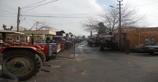Traktör Piyasası Ölü