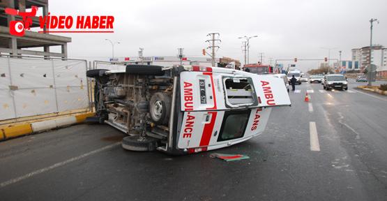 Urfa'da Ambulans kaza yaptı