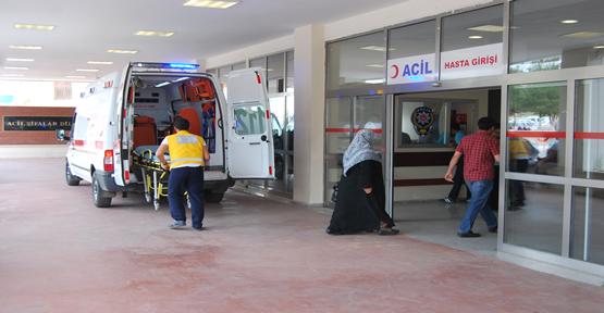 Urfa'da araç öğrencileri çarptı, 3 yaralı