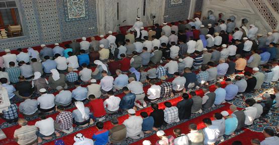 Urfa'da camiler doldu taştı