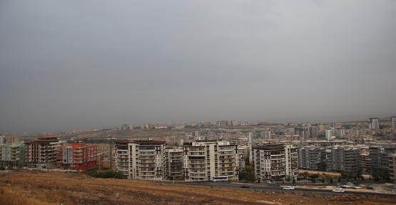 Urfa'da çamurlu yağmur