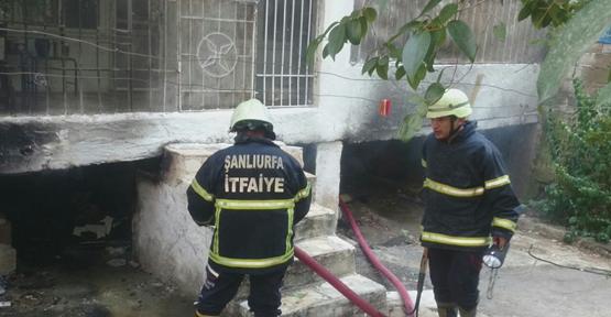 Urfa'da depo yangını paniğe neden oldu