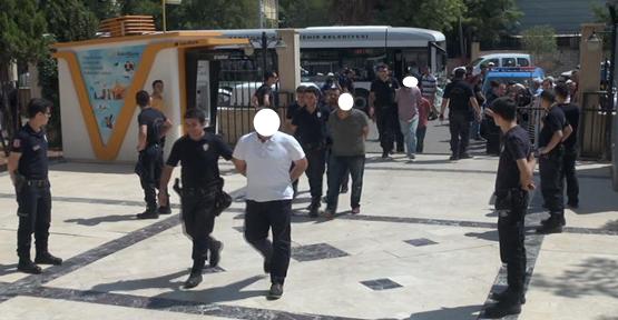 Urfa'da FETÖ operasyonunda 46 kişi adliye çıkartıldı