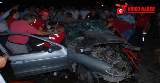 Urfa'da iki otomobil çarpıştı, 2 ölü, 2 yaralı
