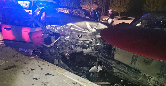Urfa'da İki otomobil çarpıştı, 7 yaralı