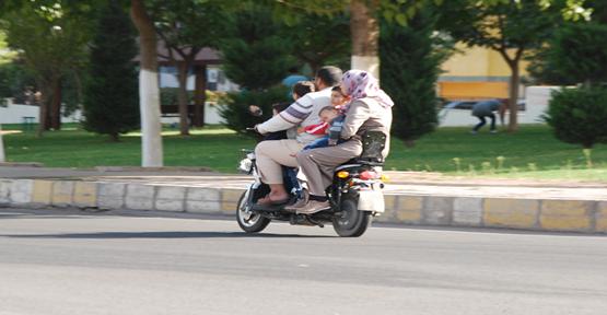 Urfa'da motosiklete 6 kişi bindi