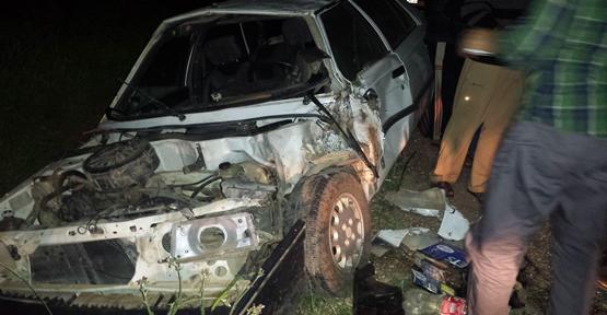 Urfa'da otomobil traktörü çarptı, 4 yaralı