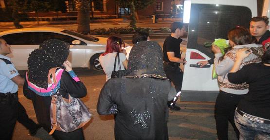 Urfa'da polis Eğlence yerlerine baskın düzenledi, 42 gözaltı