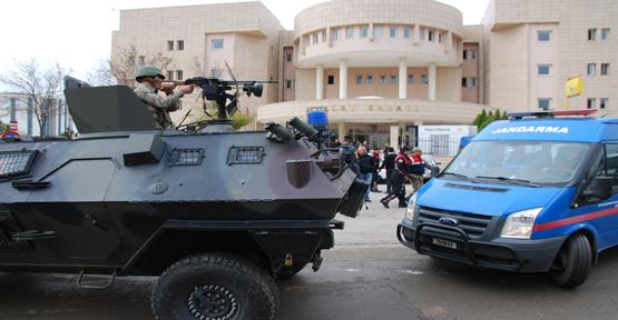 Urfa'da sahte kimlikle yakalanan 9 kişi tutuklandı