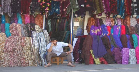 Urfa'da seçim havası esnafa uğramadı
