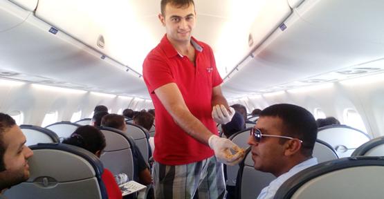 Urfalılar Çiğ Köfteyi Uçağa Taşıdı