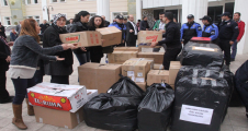 Urfa'da polis eşlerinden anlamlı yardım