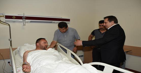 Vali Küçük Yaralı Polisi Ziyaret Etti