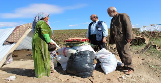 Yardımseverliğini Türkiye'de de sürdürüyor